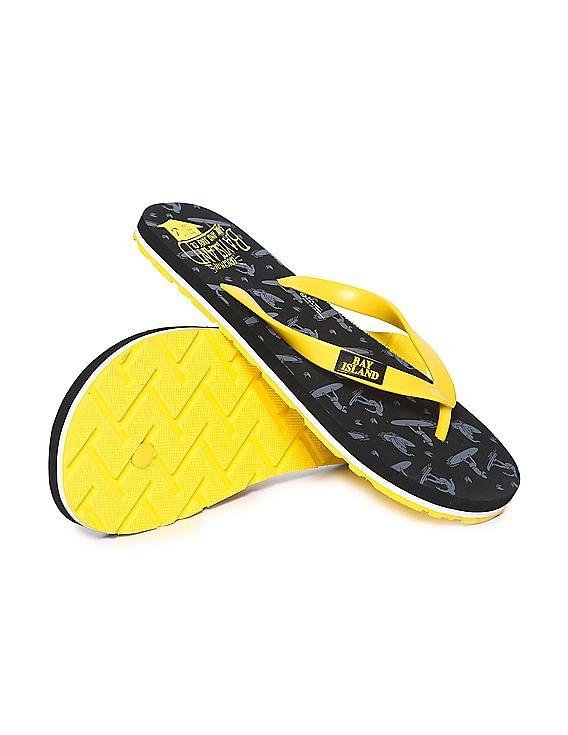 Buy Men's Footwear, Starting at Rs.150 + Flat 40% PW Cashback