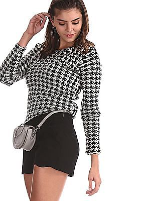 SUGR White Long Sleeve Houndstooth Sweater
