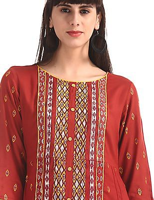 Anahi Red Dipped Hem Printed Kurta