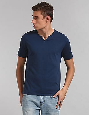 GAP Essential Short Sleeve Notch T-Shirt