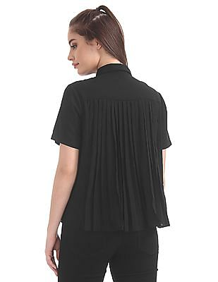 Elle Studio Pleated Back Solid Boxy Top