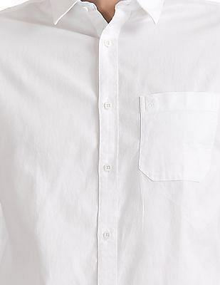 Izod Cutaway Collar Solid Shirt