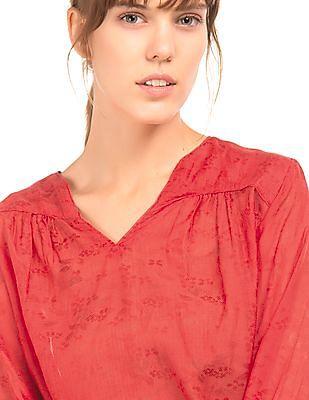 Arrow Woman Solid Regular Fit Top